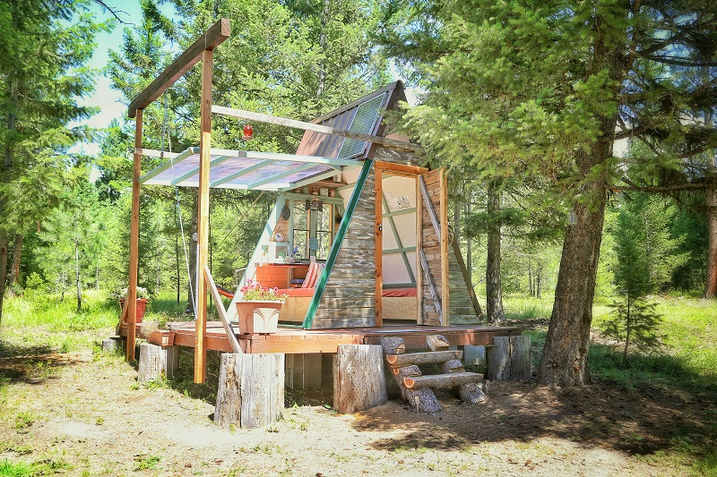 A-frame cabin with wing wall